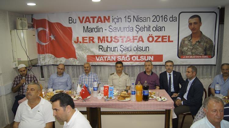 Maki-Mustafa Özel iftarı