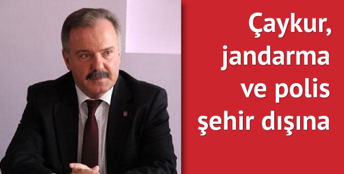 Belediye Başkanı Rahmi Üstün Sürmene'yi boşaltıyor