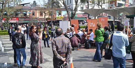 Bizim Neslin Uşaklarından Sokak konserleri