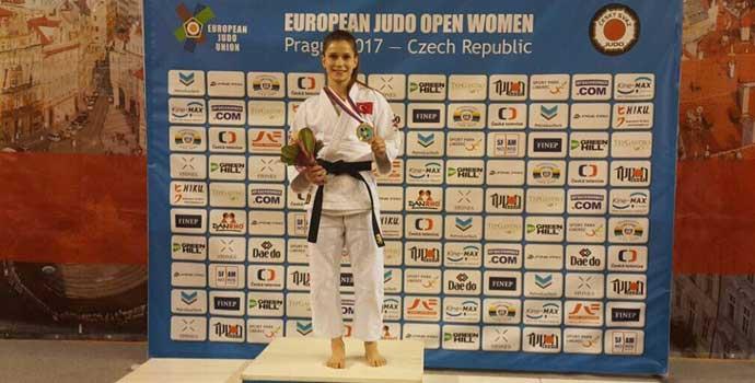 Gülkader Şentürk bronz madalya aldı