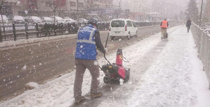Kar Trabzon'a geri geldi