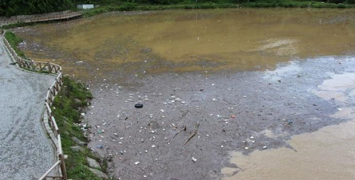 Sera Gölü çöp sorunuyla boğuşuyor