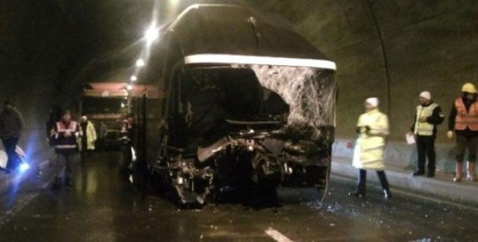 Trabzon otobüsü Giresun'da kaza yaptı