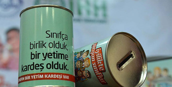 Trabzonlu öğrencilerden yetim kardeşlerine yardım