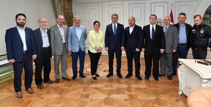 Üsküdar Trabzonlular Derneği Hilmi Türkmen'i ziyaret etti