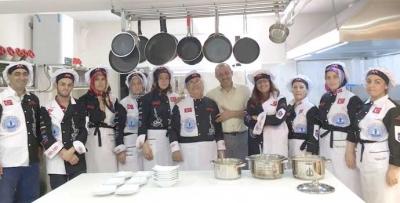 850 çeşit Karadeniz yemeği öğreniyorlar