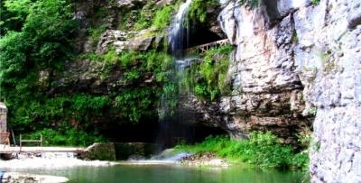 Çal Mağarası'na Arap turist akını