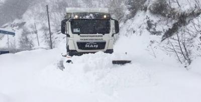 Kar Doğu Karadeniz'i esir aldı: 1241 köy yolu kapalı