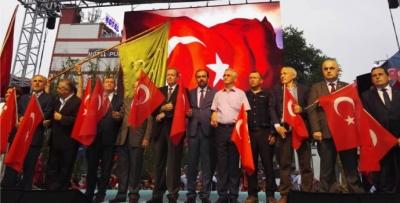 Trabzon demokrasi için yürüdü!