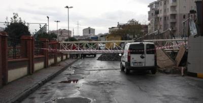 Trabzonspor Tesisinin Üzerine Vinç Devrildi: 2 Ölü!
